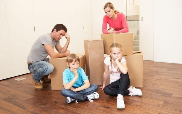Принудительное выселение из квартиры 2020 - по решению суда, собственника, должника, из аварийного жилья, незаконных жильцов, образец иска, из муниципальной